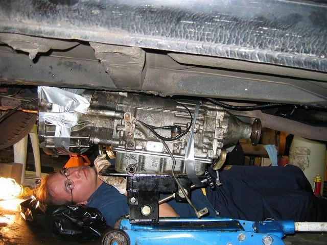 Rear Main Engine (crankshaft) Seal Replacement – Volvo 240