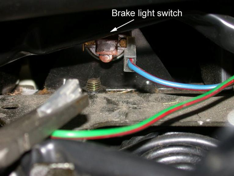 240 Volvo: Replacing the Brake Light Switch