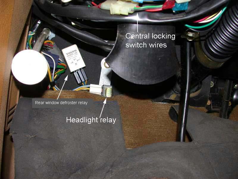 Headlight on Volvo 240 Headlight Relay