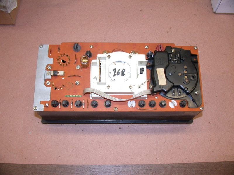 Volvo 240 Instrument Cluster - Lay The Cluster Face Down On A Clean Surface There Are Two Paths You Can Take Now You Can Do This Without Going Inside The Instrument Panel With Nothing - Volvo 240 Instrument Cluster